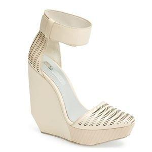 BCBG MaxAzria Platform Cuffed Sandals 9.5 (*9)